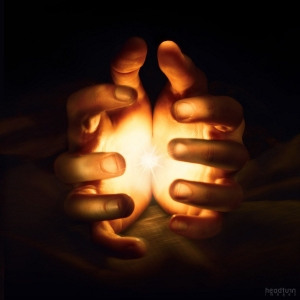glowing_hands